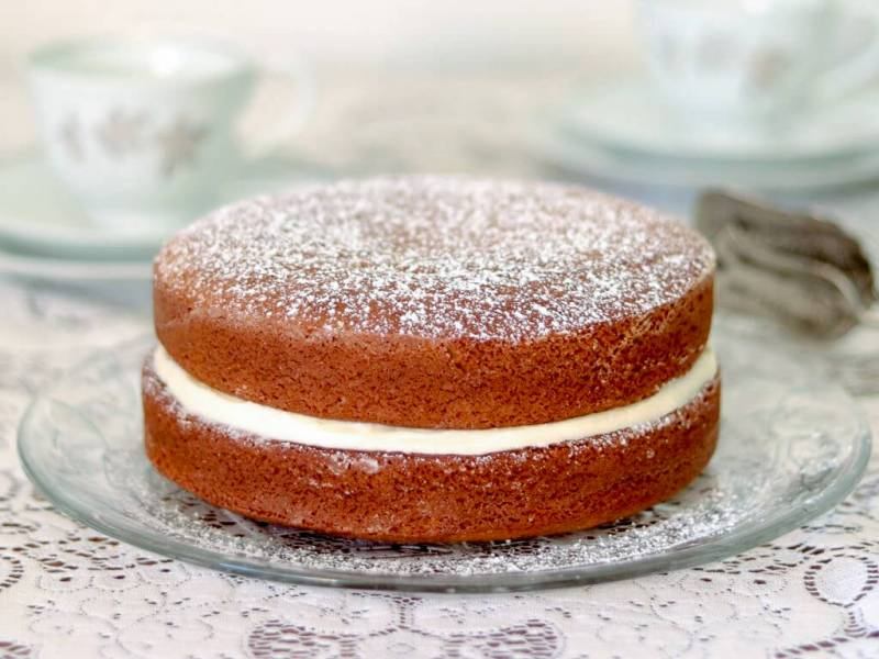 When cool, join the two cake layers with prepared icing.