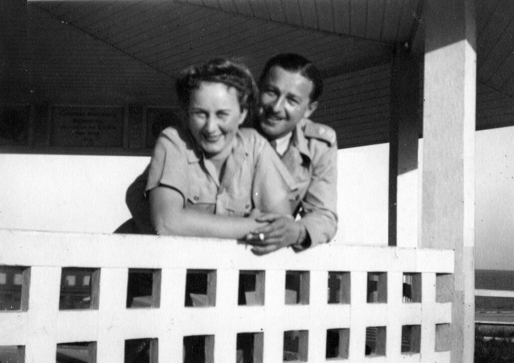 Bill and Evelyn, at Emu Park (near Rockhampton), September 1944. Photo source: Proposch Family archives.