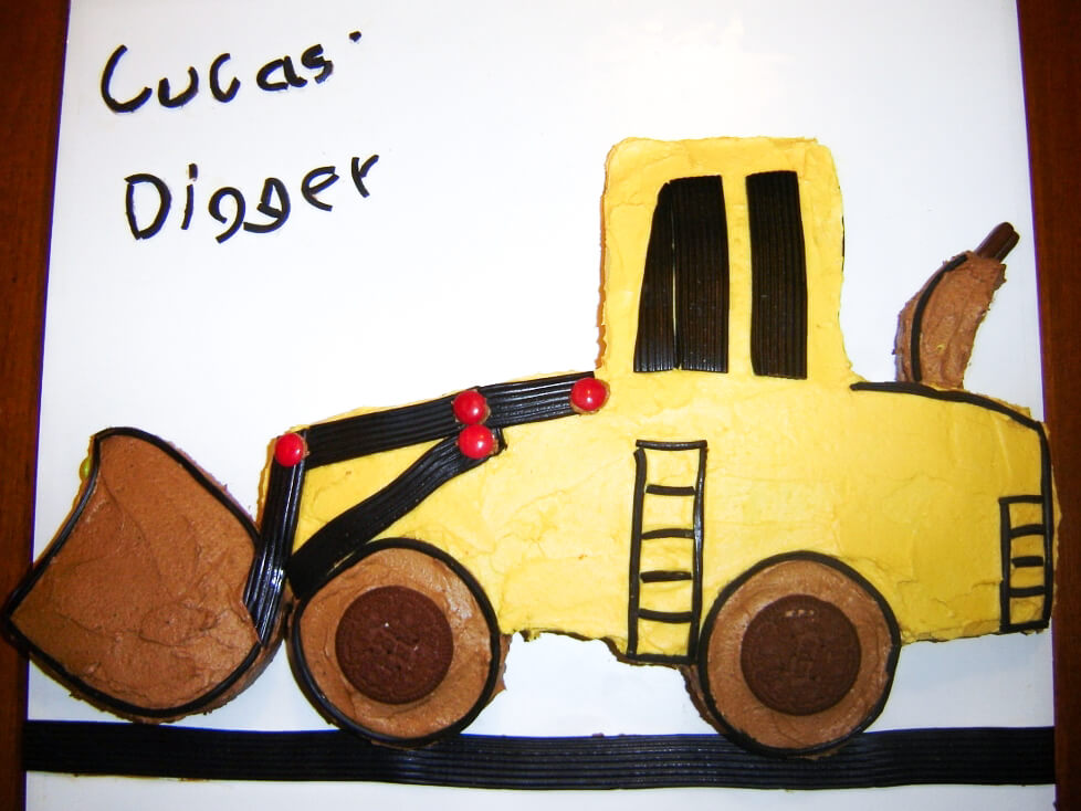 Lucas's 3rd birthday cake, a digger. Photo source: Judith Salecich.