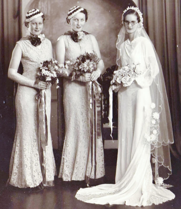 May 1937: Bride Dulcie and her attendants