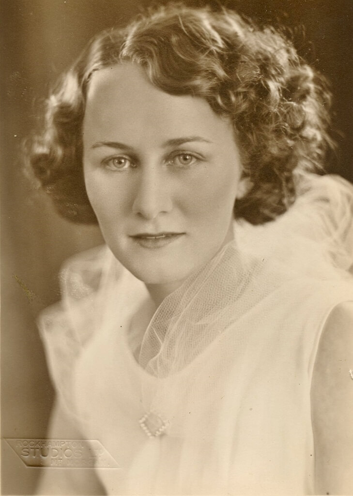 1935: Evelyn as a debutante, aged 19. Photo source: Beaumont Family archives.