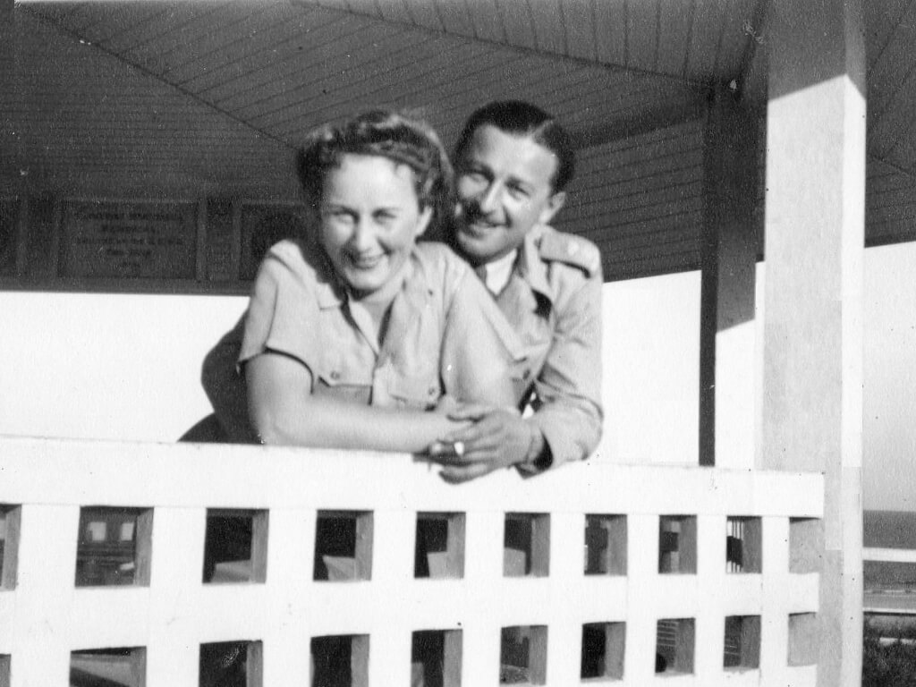1944: Evelyn and Bill at Emu Park, near Rockhampton. Photo source: Proposch Family archives.
