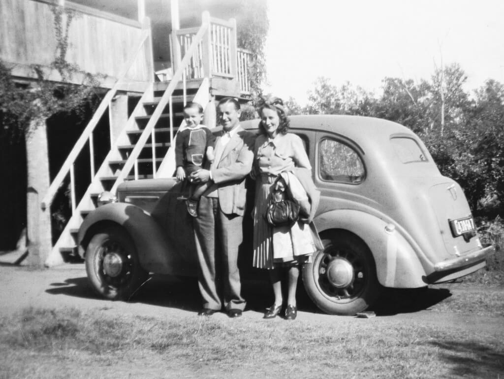 1949: Evelyn, husband and son on a visit to Rannes. Photo source: Proposch Family archives.