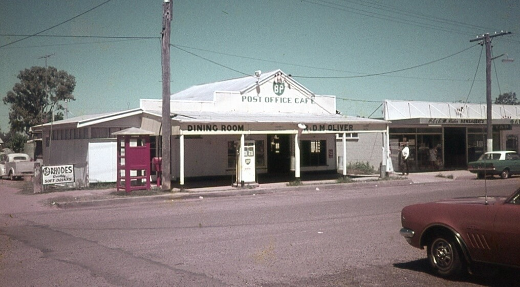1970s. The Moura Post Office Café. Photo source: My late father's slide collection.