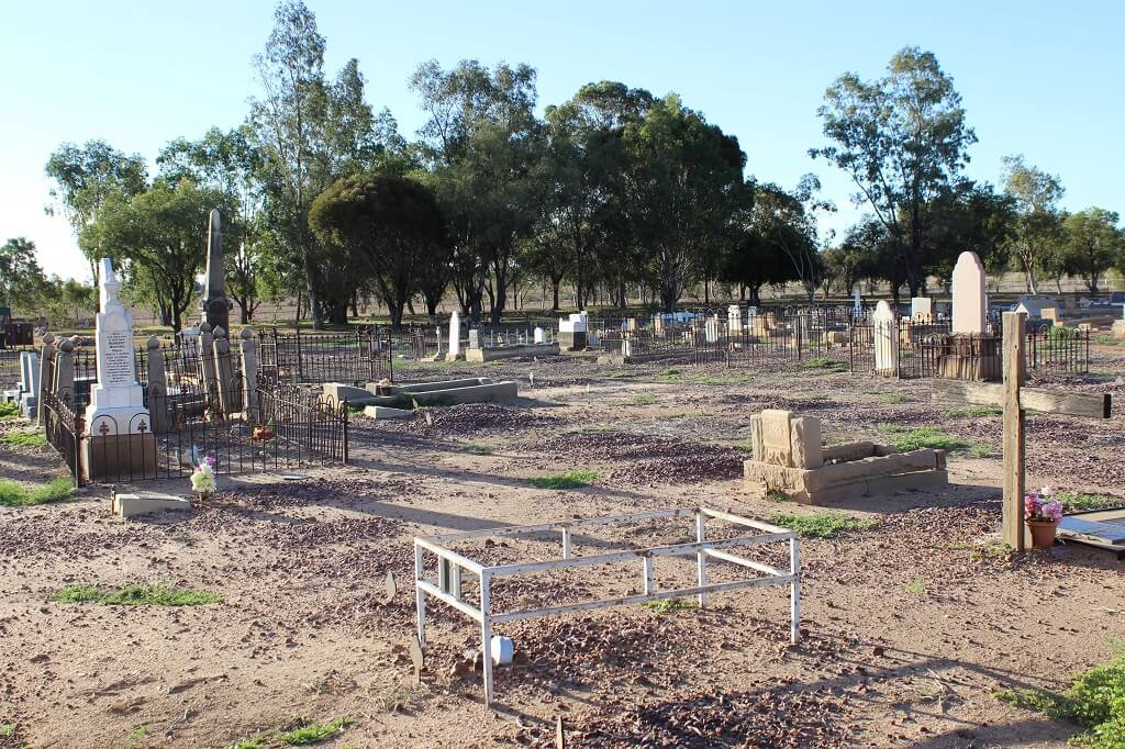 Longreach Cemetery. Photo source: Private collection 2017.