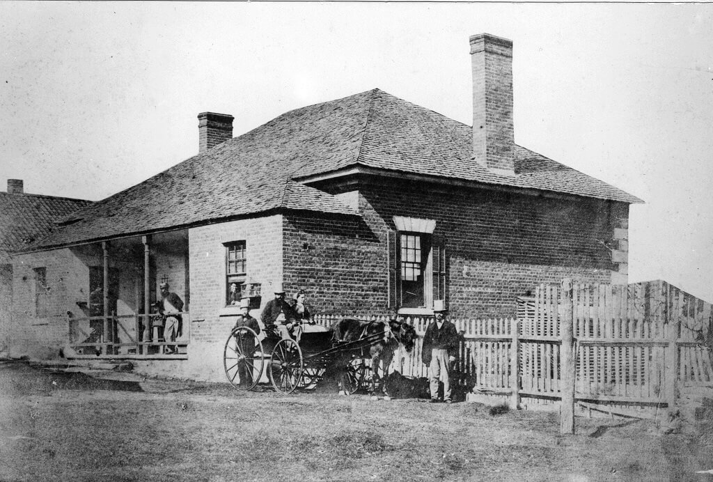 1865. Brisbane Hospital, George Street, Brisbane. Photo source: Queensland State Archives. Public domain.