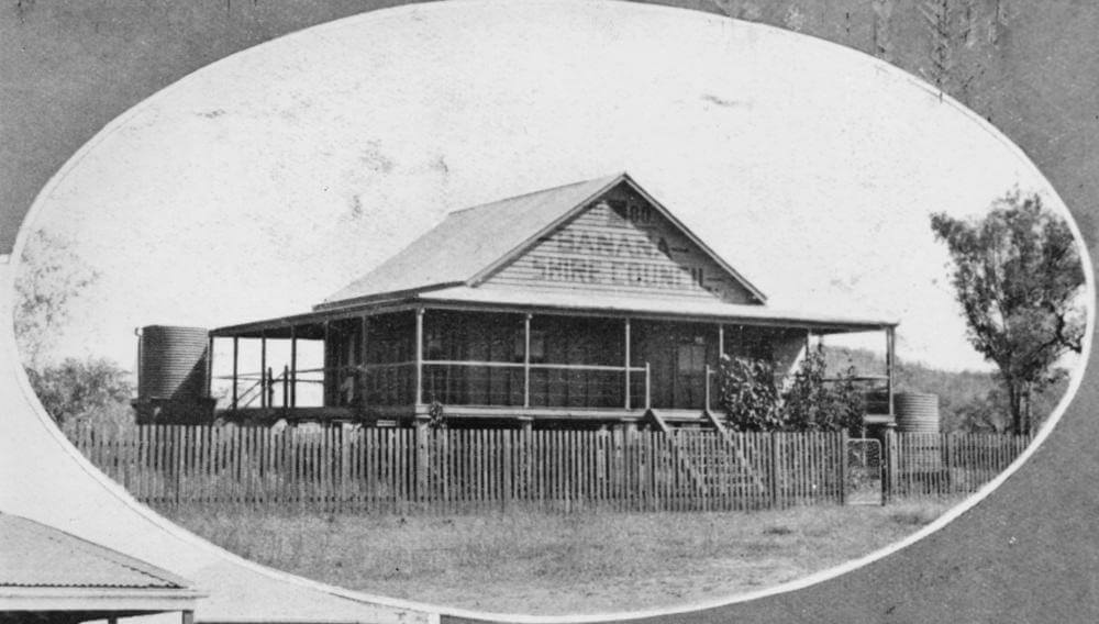 c. 1930. Banana Shire Council office building, Rannes. Photo source: State Library of Queensland. Public domain.