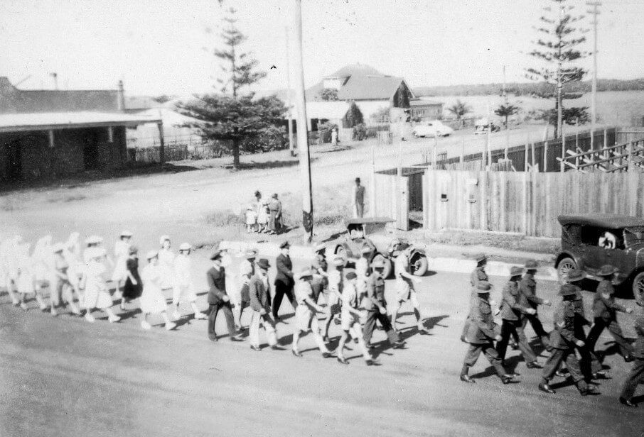 1945. Anzac Day march, Ballina, New South Wales. Photo source: Proposch Family collection.