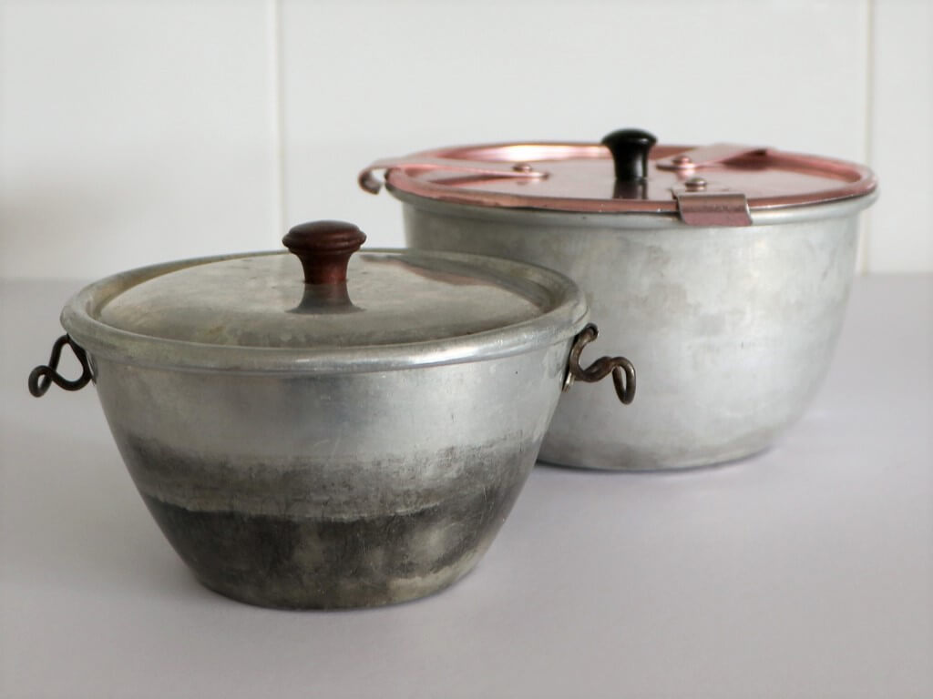 My mother's aluminium steamer basins, with lids. I cook my Fail-Me-Never Steamed Pudding in the larger one of these two basins. Photo source: Private collection 2020.