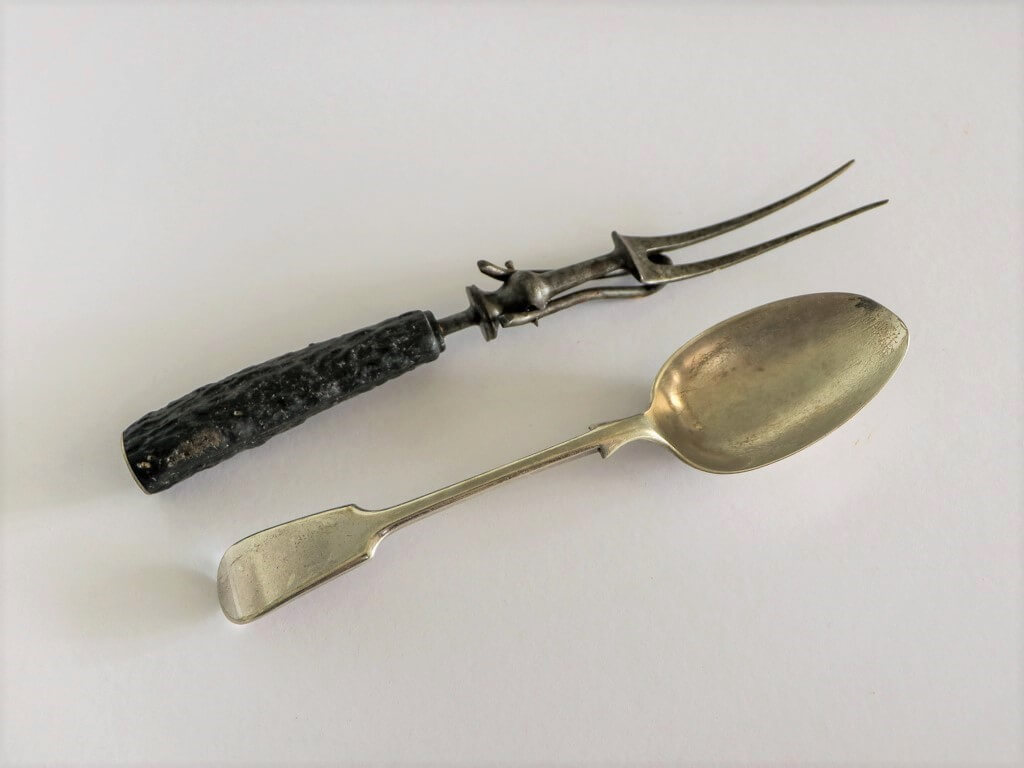 My mother's carving fork and general purpose tablespoon. I use the tablespoon in my kitchen almost every day. I wouldn't be without it. Photo source: Private collection 2020.