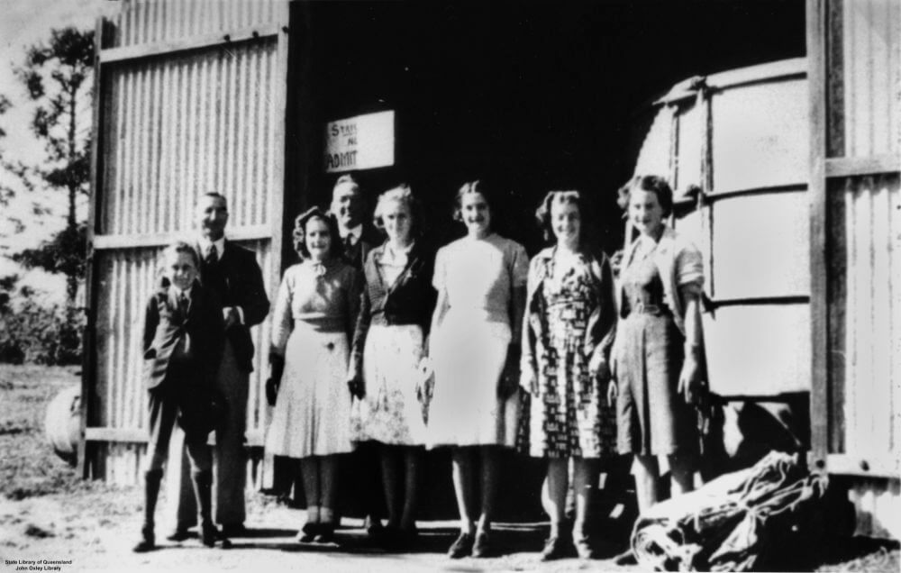 1941. Members of the original staff of Buderim Ginger standing near the Buderim Ginger Factory. Photo source: State Library of Queensland. Public domain.